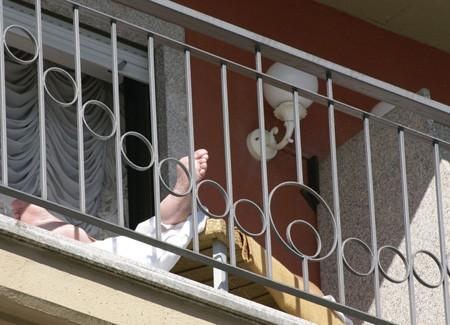 reise_balkon_mit_fuessen