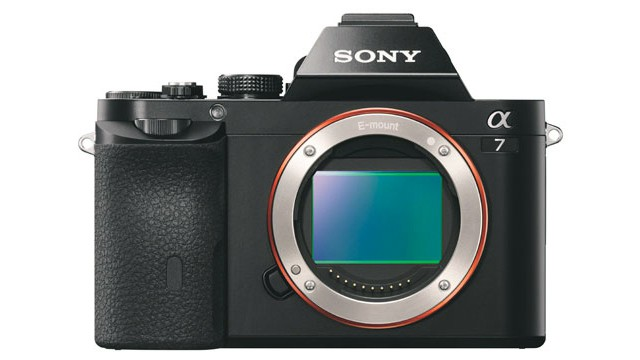 sony_a7__front_offen