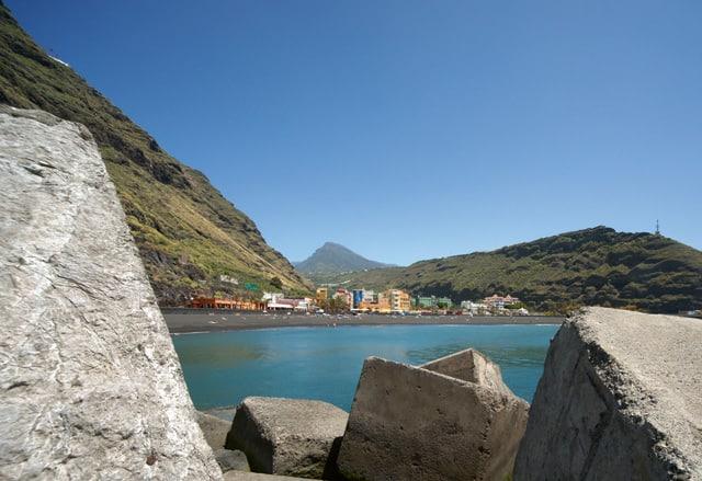 Bild 13 - La Palma/Tazacorte - Steinquader als Rahmen