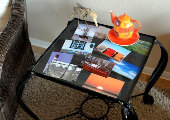 Bilder auf einem alten Tisch