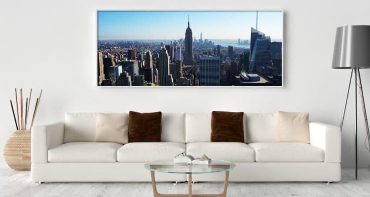 Wohnzimmerwand mit Bild