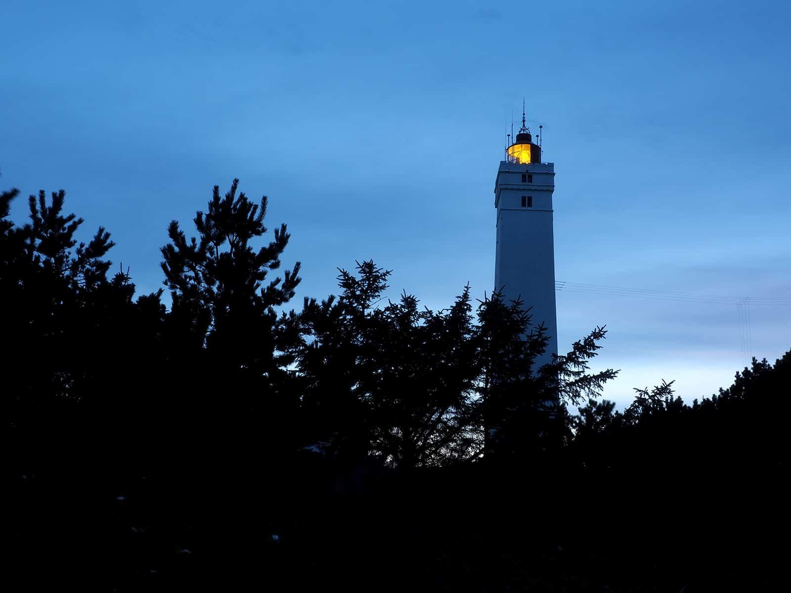 Leuchtturm von Blavand in der Dämmerung. Kamera: Olympus PEN-F
