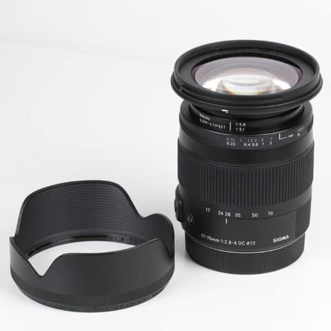 Sigma 17-70 mm Contemporary mit Streulichtblende