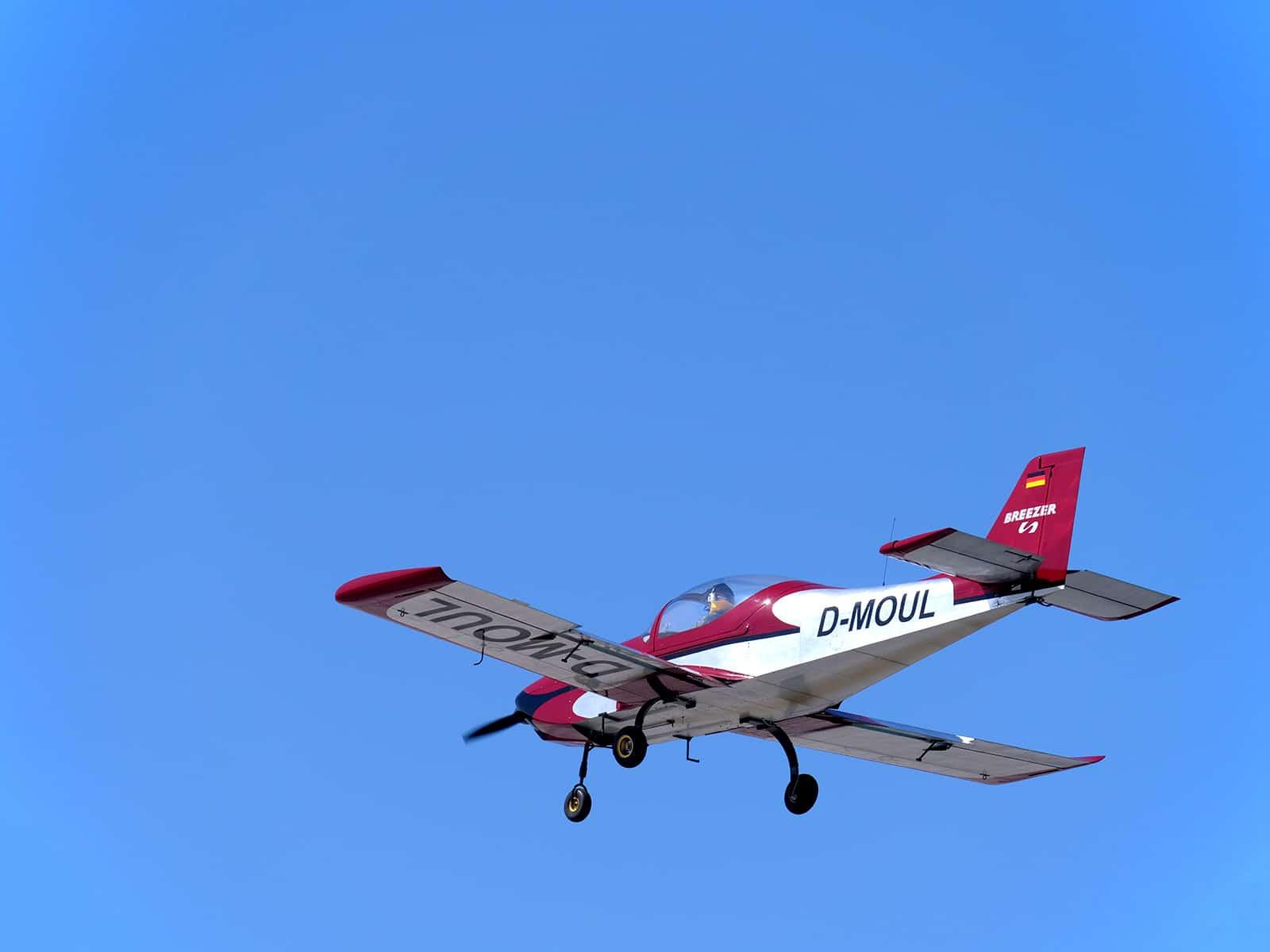 kleines Flugzeug