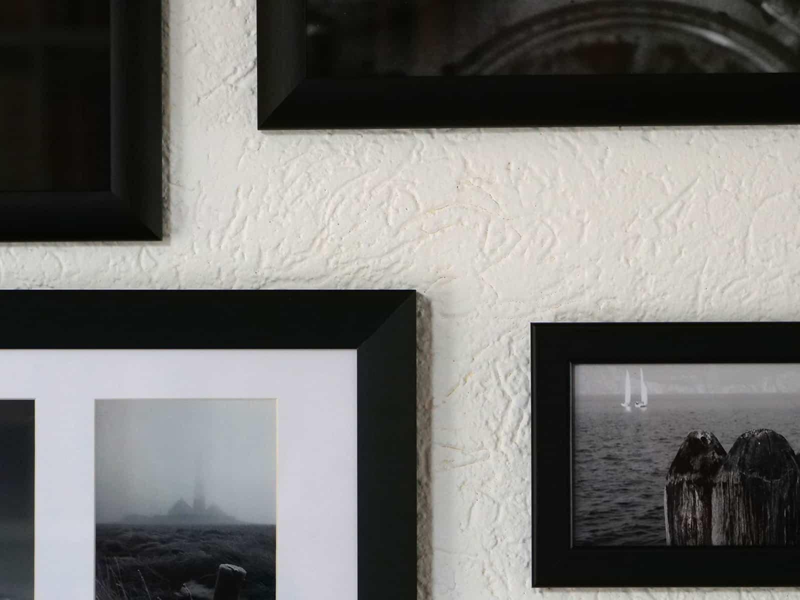 Bilderrahmen an der Wand, Ausschnitt