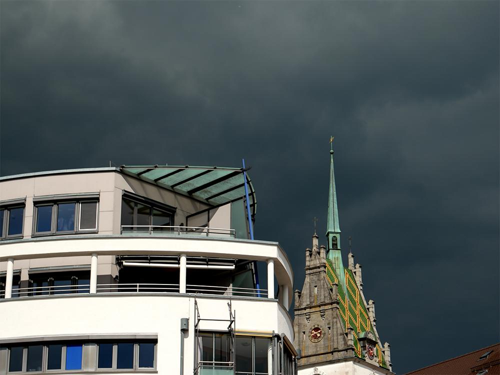 Gewitterwolken über Friedrichshafen